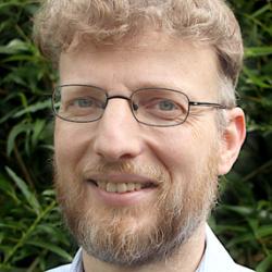 Dr Jörg  Haustein